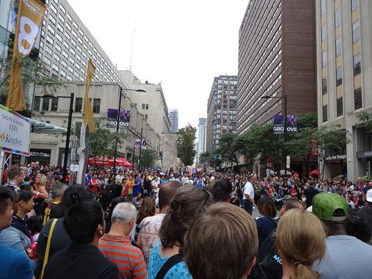 Busker Fest in Toronto: Grosser Betrieb auf der Yonge Street.