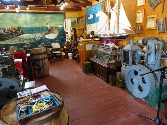 Allerlei Krimskrams zum Thema Fischerei im Prime Berth Museum Twillingate.