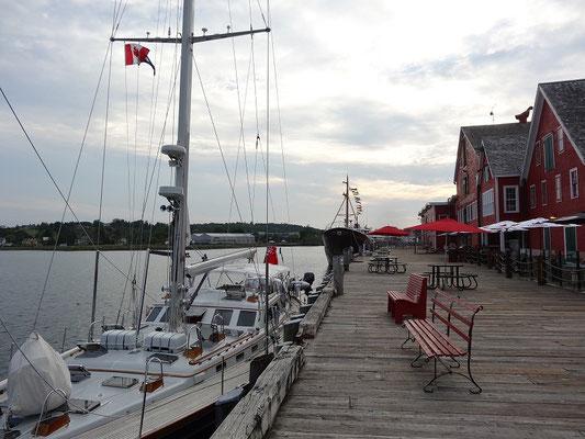 Urlaub in Nova Scotia: Boote im Hafen von Lunenburg.