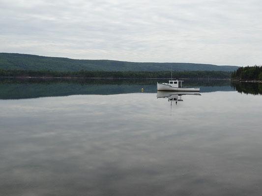 Idylle mit Fischerboot auf Cape Breton Island.