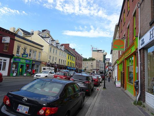 Urlaub in Neufundland: Foto aus der Water Street in der Innenstadt von St. John's.