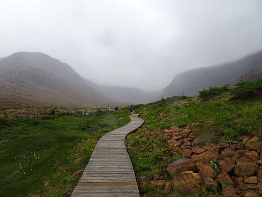 Wandern im Gros Morne National Park: Auf den Tablelands wie in den anderen Teilen des Parks kann das Wetter in Minuten umschlagen.