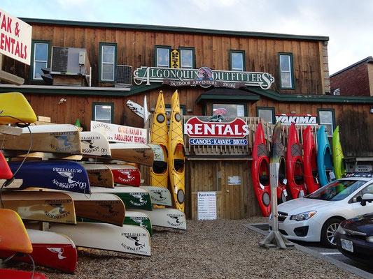 Kanu- und Kajak-Verleiher in Huntsville sind auf beinahe alles vorbereitet.