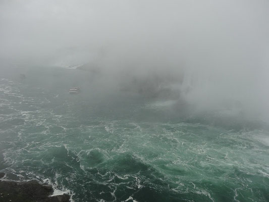 """Niagara Falls: Man kann sich vorstellen, woher der Name """"Maid of the Mist"""" kommt."""
