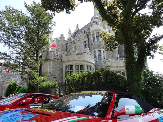 Blick vom Parkplatz der Casa Loma Toronto.