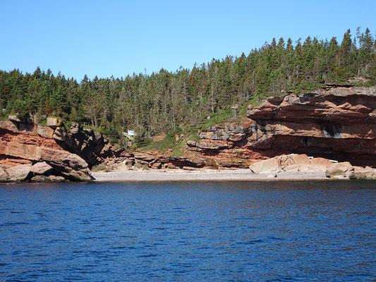Urlaub in Quebec: Einer der wenigen Strandabschnitte an der Bonaventure Insel.