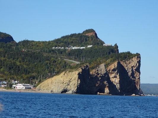 Urlaub in Quebec: Blick auf die Steilküste bei Percé.