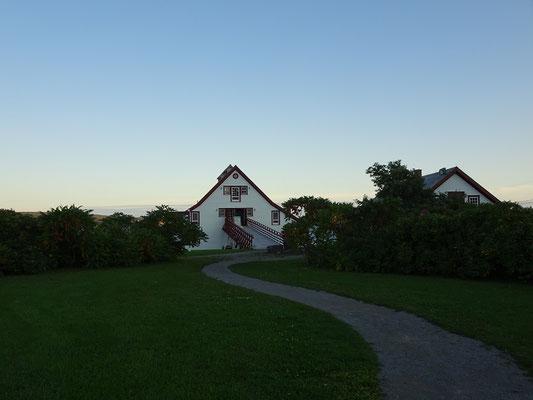 Urlaub in Quebec: Dieser Pfad im Ortskern von Percé führt zu einem kleinen Museum, dass zum Nationalpark gehört.
