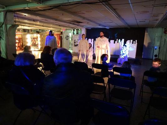 An Honest Farewell in Toronto: Live-Theater gab es rund um die Uhr beim Abschied von Honest Eds.