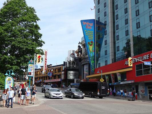 Niagara Falls: Blick auf Clifton Hill.