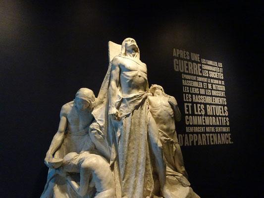 Urlaub in Ottawa: Skulptur im War Museum.