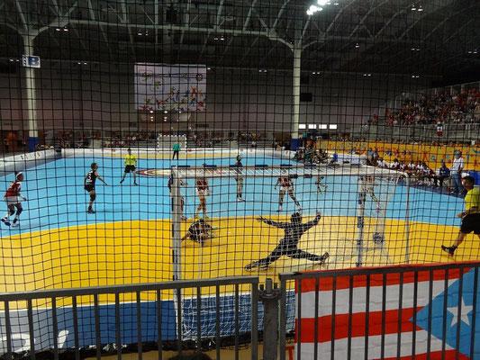 Pan Am Games in Toronto: Torreiches Handball-Spiel zwischen Mexiko und Puerto Rico.