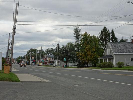Urlaub in New Brunswick: Blick auf die Hauptstrasse von Saint Quentin.