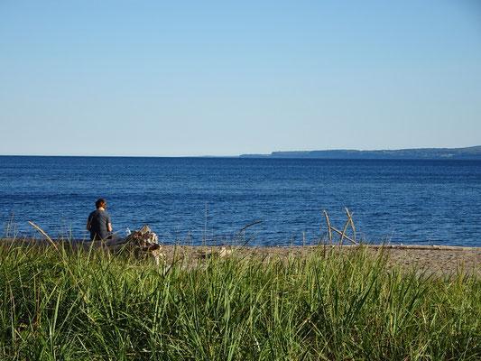 Urlaub in Quebec: Ruhige Strandszene aus dem Westen des Forillon Nationalparks.