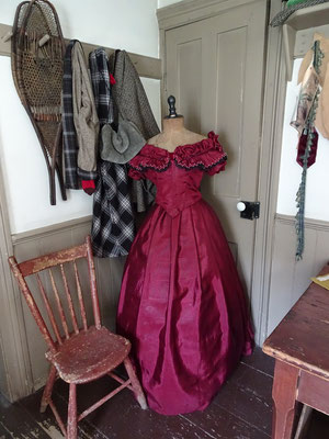 Black Creek Pioneer Village: Ein Kleid im Mackenzie House.
