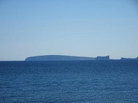 Urlaub in Quebec: Auch aus dieser Perspektive sieht man den Rocher Percé und die Bonaventure-Insel am Horizont.