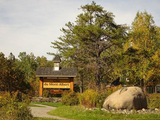 Herbsttour in Quebec: Zufahrt zum Hotel Gite du Mont-Albert im Parc national de la Gaspésie.