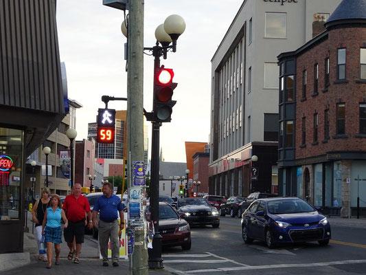 Wenn's mal wieder länger dauert: Diese Ampel in St. John's gibt auch geruhsamen Neufundland-Urlaubern ausreichend Zeit, die Strasse zu überqueren.