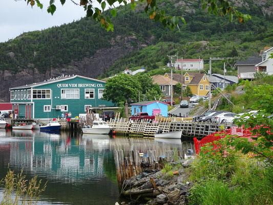 Urlaub in Neufundland: Die Brauerei ist ein markanter Punkt in Quidi Vidi.