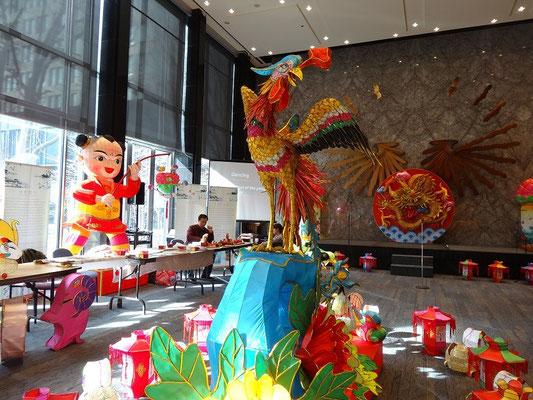 Buntes Kulturprogramm anlässlich eines chinesischen Laternenfestes. Irgendwie sinnbildlich, dass sich die kanadische Öffentlichkeit mit fremder Kulturgeschichte manchmal leichter tut als mit der eigenen.