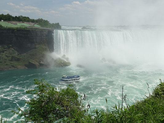 Niagara Falls: Nahaufnahme von den kanadischen Fällen.