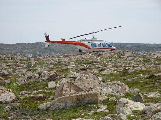 Ein Hubschrauber erspart VIP-Gästen des Fogo Island Inn die Unwägbarkeiten der Fähre zum Festland.
