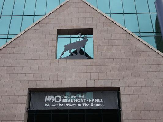 """Urlaub in Neufundland: Im Museum """"The Rooms"""" gibt es eine Sonderausstellung zum 100. Jahrestags des blutigen Gefechts von Beaumont-Hamel im I. Weltkrieg."""