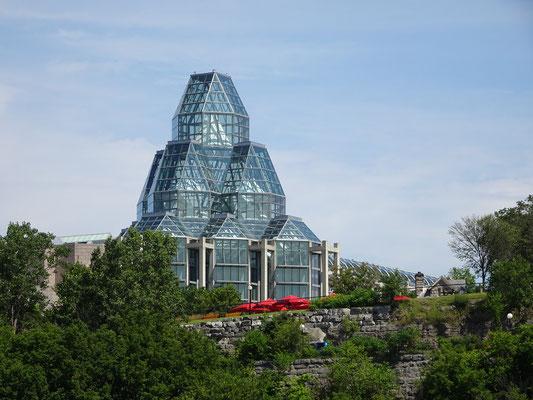 Urlaub in Ottawa: Blick auf die markante Glaskuppel der Nationalgalerie.