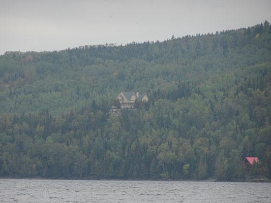 Wohnen im Wald: So sieht das am Lac Temiscouata in Quebec aus.