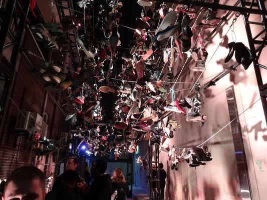 Eingang zum Schuh-Museum bei der Nuit Blanche 2015 in Toronto.