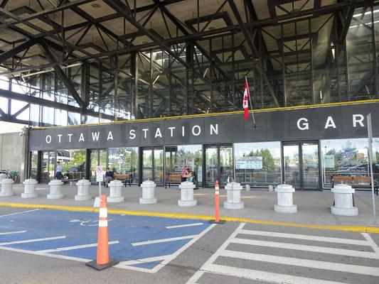 Mit dem Zug in den Urlaub: Ankunft am VIA Rail-Bahnhof in Ottawa.