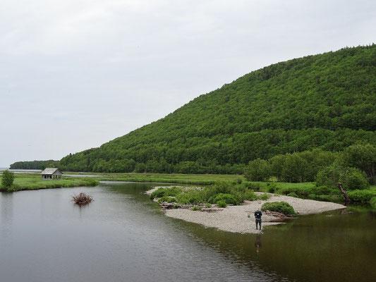 Angeln kann in Nova Scotia auch: Hier vor der prächtigen Kulisse Cape Breton Islands.