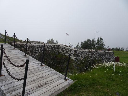 Castle Hill National Historic Site: Rundgang durch die Reste der französischen Festung.