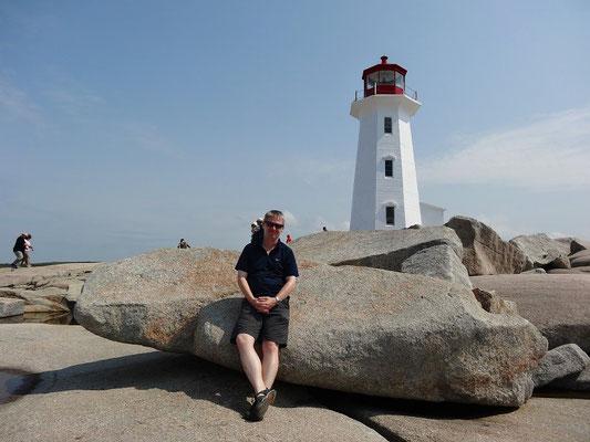 Urlaub in Nova Scotia: Selfie mit Leuchtturm in Peggy's Cove.