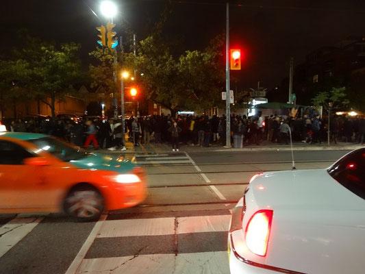 Grosser Andrang bei der Nuit Blanche 2015 in Toronto.