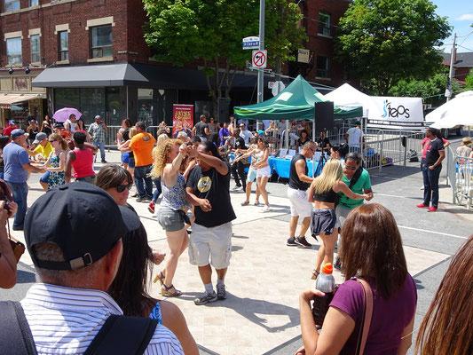 Und noch ein Bild von Torontos Salsa-Fest auf der St. Clair.