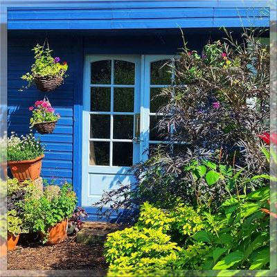 Studio in private, landscaped Garden