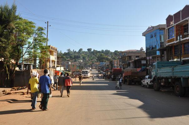 Über 70.000 Einwohner hat Gimbi mittlerweile. So ganz genau weiß man das aber nicht.