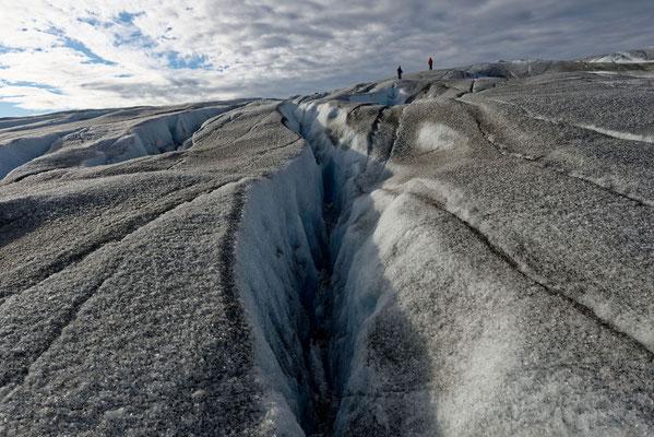 2018: Tiefe Eisspalten im 'ewigen' Eis auf Grönland