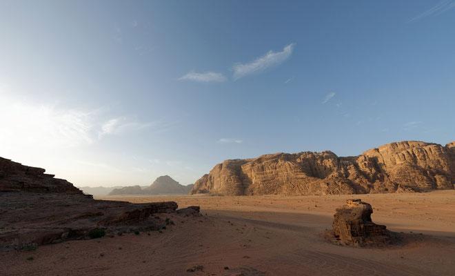 2014: Morgenstimmung im Wadi Rum (Jordanien)