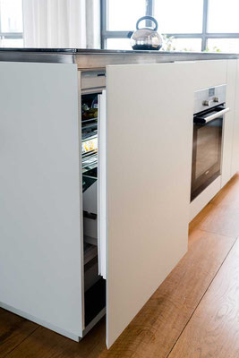 Loftküche von Olaf Reinecke in Berlin. Fotografiert von Bernd Euler