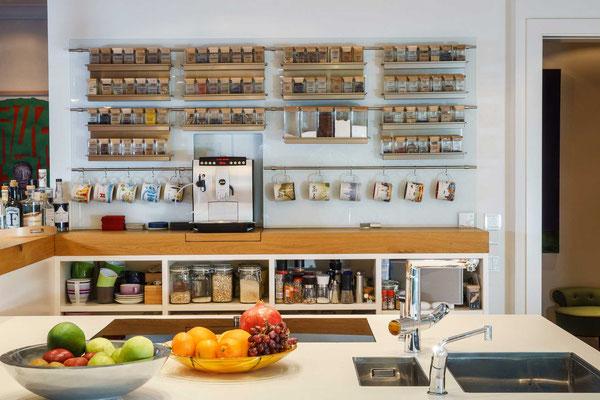 Küche von Olaf Reinecke in Hamburg. Fotografie: bernd-euler.com