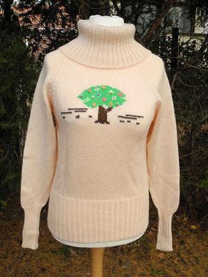 Pullover mit Baum