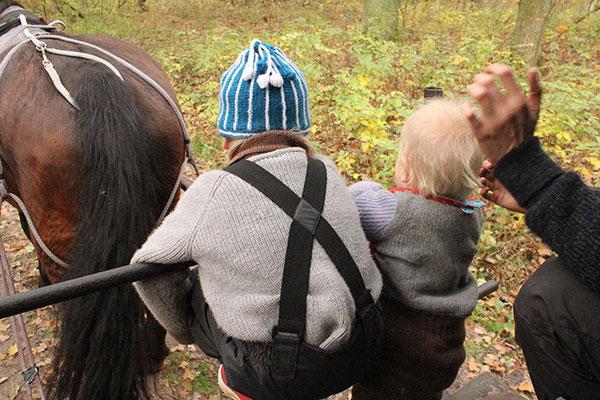 Outdoorpullobver + Kleinstkindpullover & Wämschen im Gebrauch