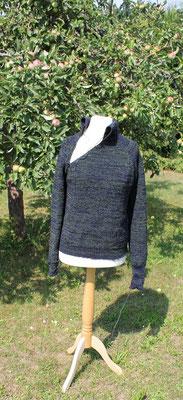 Pullover aus Synthetik von ritsch-ratsch gestrickt - noch unfertig