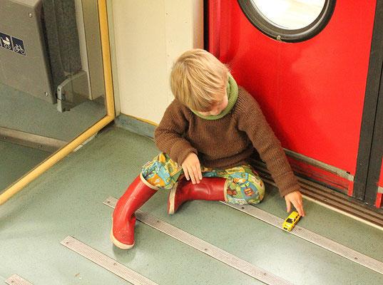 """Oktober 2015 im Zug in die Uckermark; """"Norwegenpullover"""" + Halsteil geschlossen aus Wolle"""