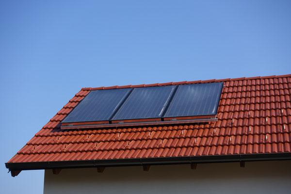 Solaranlage für das Warmwasser ist selbstverständlich installiert