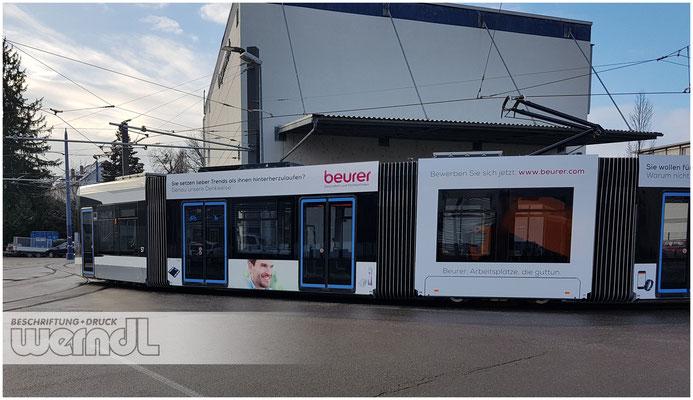Neue Straßenbahn, Neue Linie, Perfekt foliert von Werndl Design.