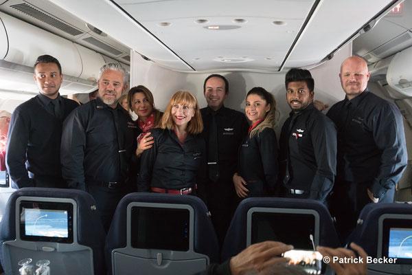 Crew des ca. 12 stündigem Fluges