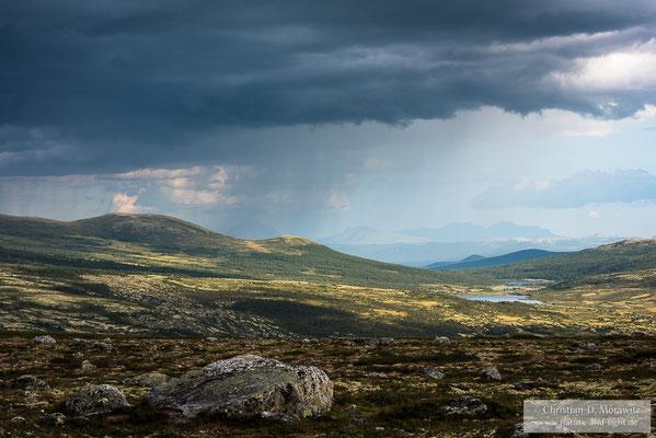 Wolkenbruch über dem Dovrefjell Nationalpark